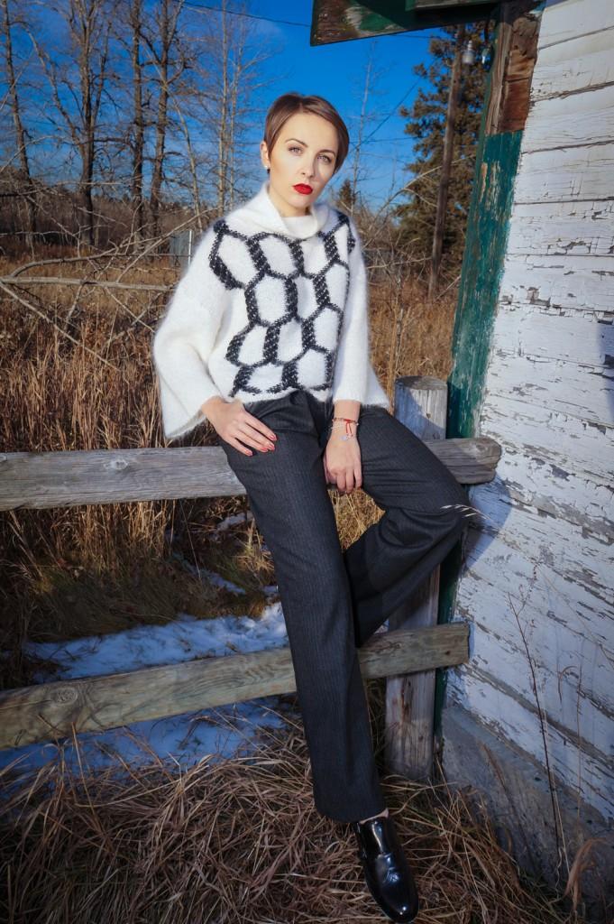 Maska Mode sweater, Zara trousers, Zara shoes