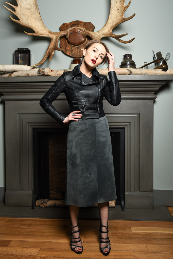 Gabi is wearing - vintage suede skirt, Maska Mode leather jacket, Zara sandals and H&M stockings.